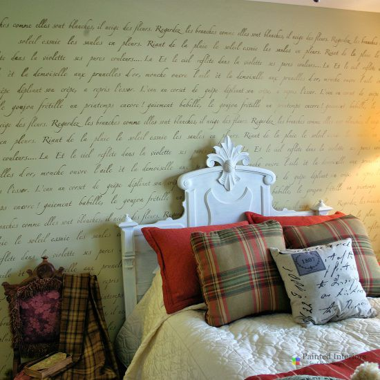 French love letter stenciled wall